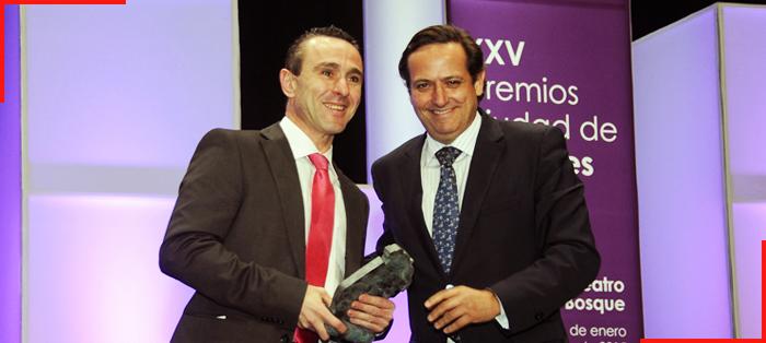 Manuel Sanchez recibe el premio Emprendedor